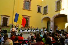 Groupe roumain de danse au festival culturel Photos stock