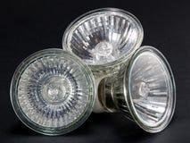 Groupe sans ampoules de LED GU10, lampes sur un fond noir Image libre de droits