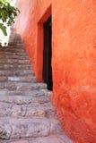 Groupes colorés d'architecture, Cuzco, Pérou. photographie stock