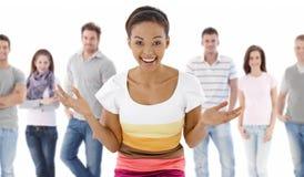 Groupez la verticale des jeunes heureux Photographie stock libre de droits