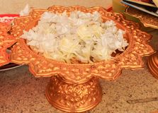 Groupez les fleurs blanches de ruban de fleurs d'aumône, culture thaïlandaise dans image stock