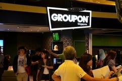 Groupon shoppar den räknareSuntec staden Singapore Royaltyfria Foton