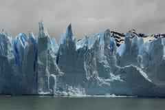 Grova spikar av glaciären Royaltyfri Fotografi