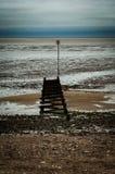 Groyne на пляже восточного побережья Стоковое Изображение