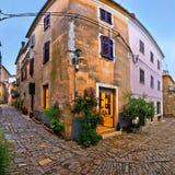 Groznjan średniowieczna wioska brukująca ulica Fotografia Royalty Free