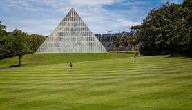 Grrenhouse de pyramide aux jardins de Kew photo stock