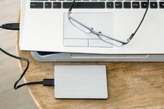 Grått modernt svart tangentbord för anteckningsbok med hddgrå färger och anblickar Fotografering för Bildbyråer