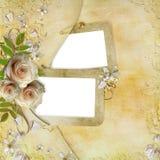 Gruß der goldenen Karte mit schönen Rosen Lizenzfreie Stockfotos