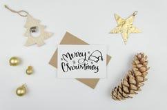 Grußbeschriftung der frohen Weihnachten Weihnachtsfeiertags-Dekorationen Lizenzfreies Stockfoto