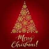 Grußkarte mit goldenem Text und abstrakter Weihnachtsbaum auf einem roten Hintergrund Stockfotos