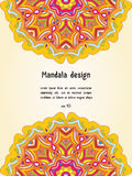 Grußkarte mit Mandaladesign, Vektorschablone Stockbild