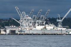 Gru a cavalletto cantiere navale del ` s di Seattle al più grande Fotografia Stock