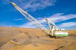 Gru a cingoli nella miniera di carbone Fotografie Stock Libere da Diritti