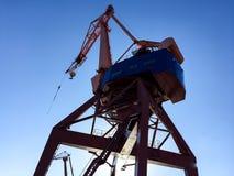 Gru del porto sul bacino immagine stock libera da diritti