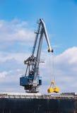 Gru del porto sul lavoro Fotografie Stock