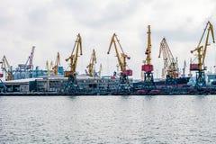 Gru di argo del  di Ñ nel porto Fotografie Stock Libere da Diritti