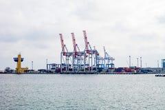 Gru di argo del  di Ñ nel porto Fotografia Stock