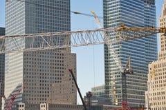 Gru di costruzione a commercio mondiale Fotografia Stock