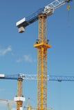 Gru di costruzione nel cielo Immagine Stock