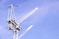 Gru di costruzione su un cielo blu Fotografia Stock