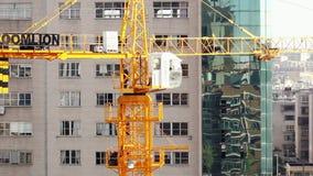 18 05 2019 gru di funzionamento di Kunming, Cina sul cantiere in città cinese stock footage