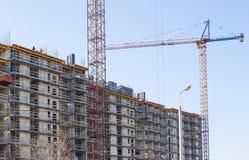 Gru e costruzione di costruzione industriali fotografia stock libera da diritti
