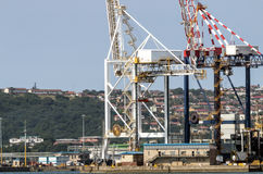 Gru ed alloggio residenziale a Durban Sudafrica Immagine Stock