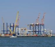 Gru in un cantiere navale immagine stock libera da diritti