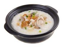 Gruau de riz de gruau d'ormeau de Claypot Photographie stock libre de droits