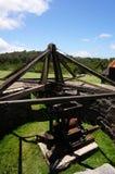 Grube im Freien, wo einkreisende Maultiere die Stock-Zerquetschung der Maschinerie antrieben Lizenzfreies Stockbild