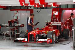 Grubenendgarage des Teams Ferrari Stockbild