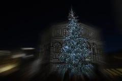 9 2017 Grudzień: Boże Narodzenia w Florencja, choinka w piazza Del Duomo w Florencja Zdjęcie Stock