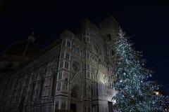 9 2017 Grudzień: Boże Narodzenia w Florencja, choinka w piazza Del Duomo w Florencja Obraz Royalty Free