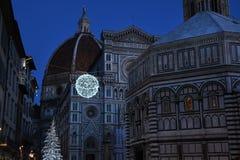 9 2017 Grudzień: Boże Narodzenia w Florencja, choinka w piazza Del Duomo w Florencja Obrazy Royalty Free