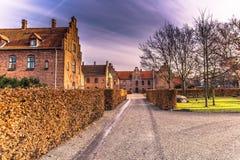 Grudzień 04, 2016: Czerwonej cegły starzy domy Roskilde, Dani Obrazy Stock
