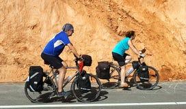 Grudzień 22, 2016 - Chaing Mai, Tajlandia: Starsza para cycli Fotografia Stock