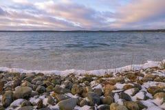 Grudzień jeziora sceneria Zdjęcie Stock