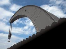 Grue de chantier naval avec la chaîne et le crochet photos stock