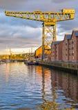 Grue de chantier naval sur la rivière Clyde Images libres de droits