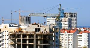 Grue de construction. Images libres de droits