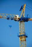 Grue de construction bleue neuve Photo libre de droits