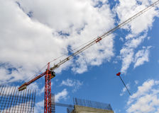 Grue de construction de tour Image libre de droits