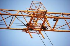 Grue de construction jaune Photos libres de droits