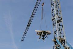 Grue de construction pendant une pause photos libres de droits