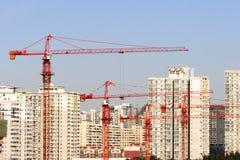 Grue et constructions Image stock