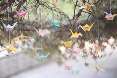 Grues colorées d'origami Photo libre de droits