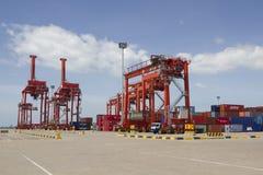 Grues dans le port de Sihanoukville, Cambodge Image libre de droits