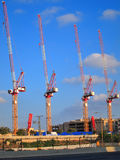 Grues de chantier de construction Images stock