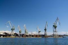 Grues de chantier naval image stock