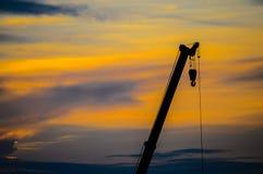 Grues de coucher du soleil Photo stock